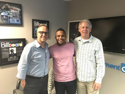 MAXIMUM ARTIST MANAGEMENT & LONE OAK ENTERTAINMENT SIGN GRAMMY®-NOMINATED ARTIST  TODD DULANEY TO EXCLUSIVE AGREEMENT
